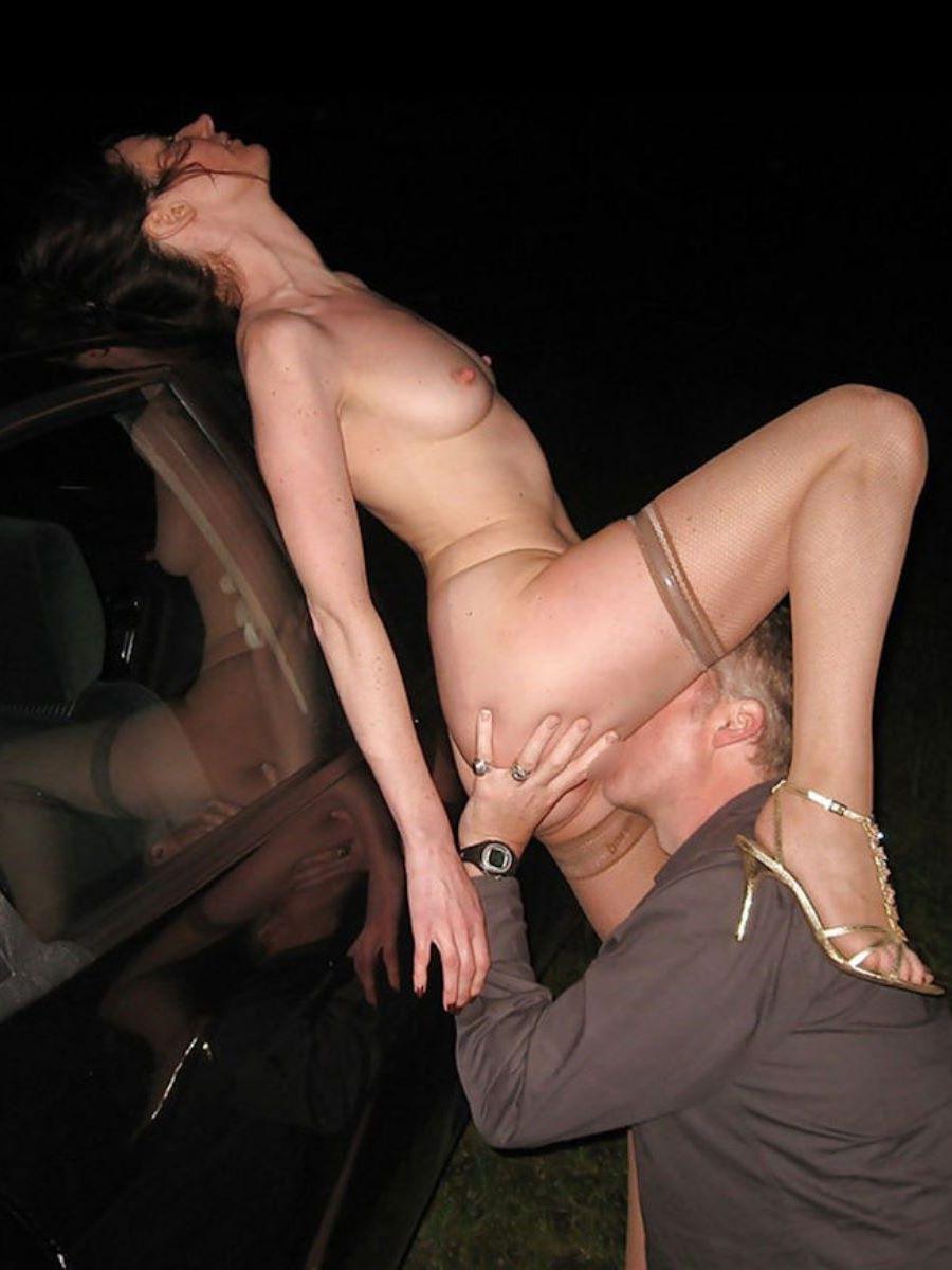 クリトリスを舐める外国人クンニ画像 51