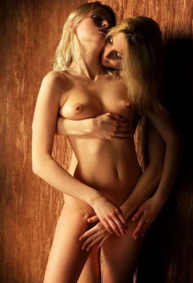 白人女性の外国人レズビアン画像 60