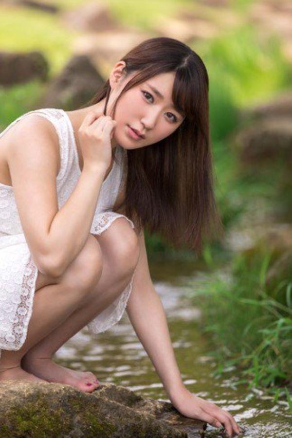 青葉夏 役者からAVに転身した東北の純朴美少女セックス画像