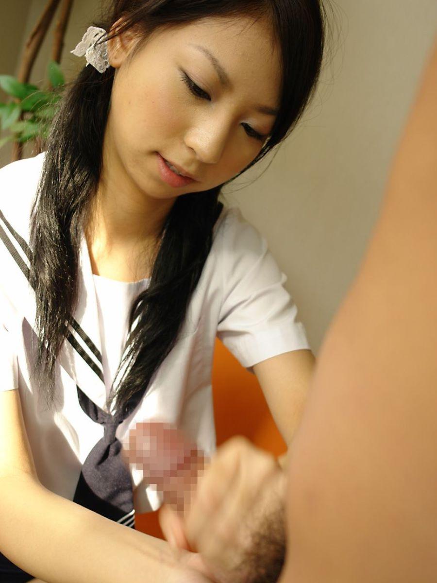 制服JKの手コキ画像 34
