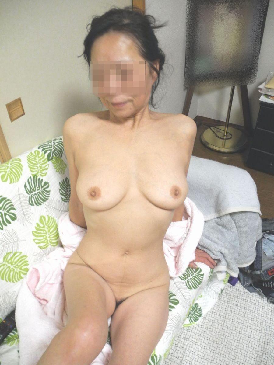 熟女のヌード画像 33