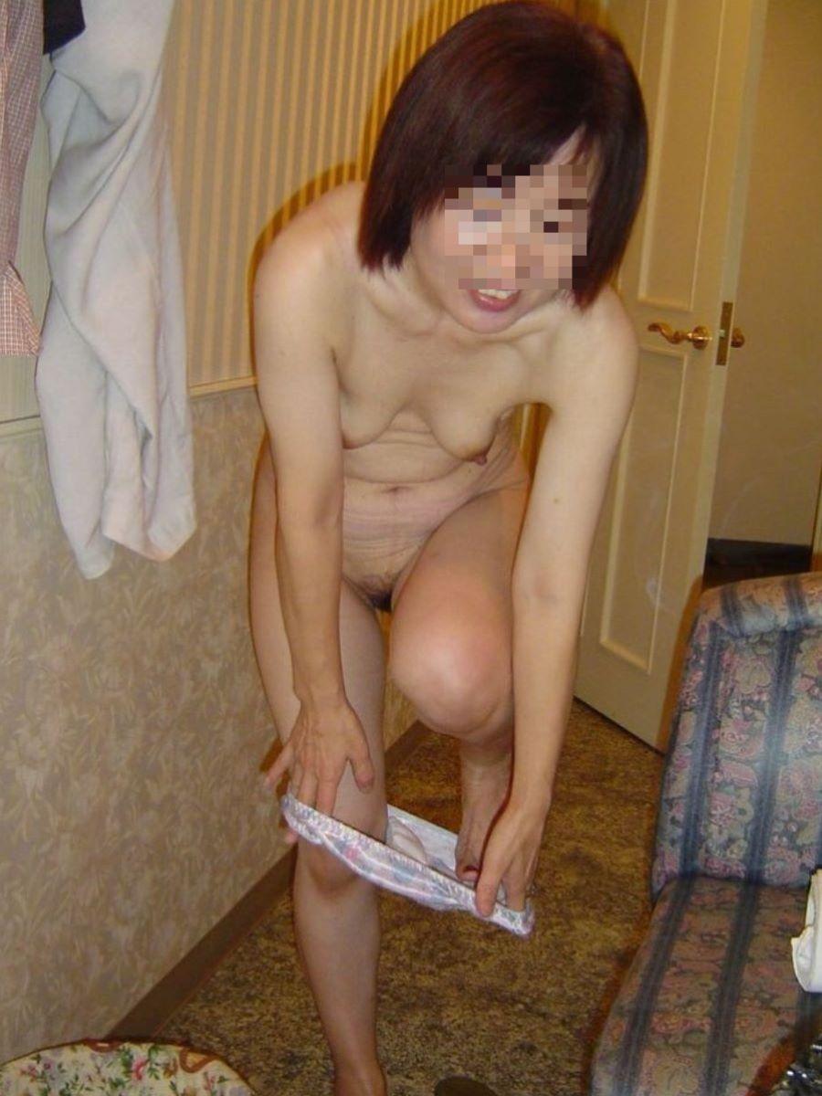 熟女のヌード画像 38