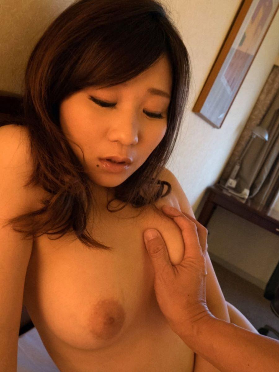 おっぱい鷲掴み セックス画像 24