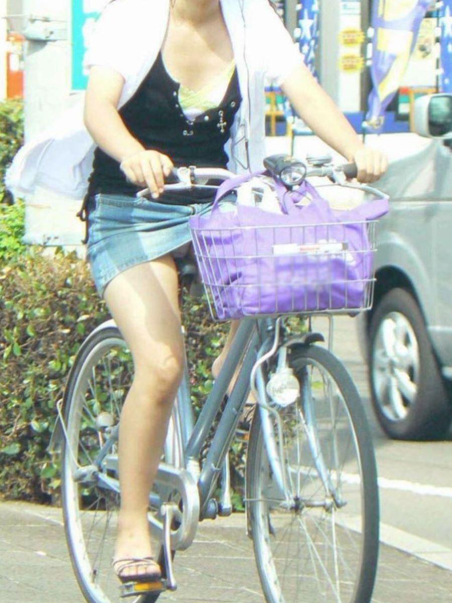 自転車のパンチラ画像 8