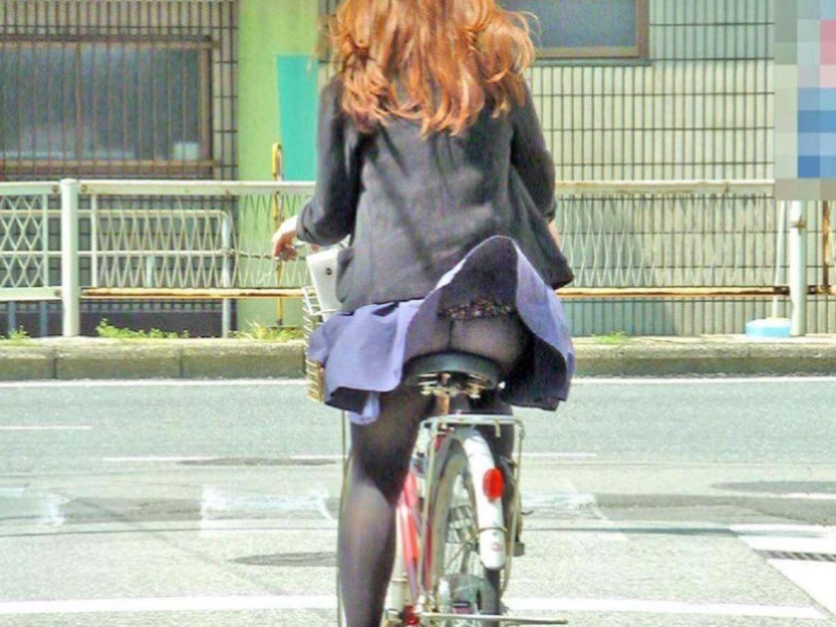 自転車のパンチラ画像 9
