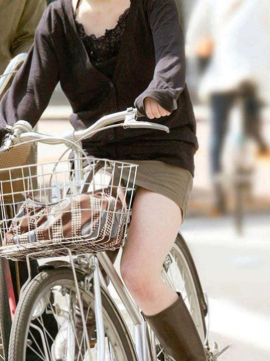 自転車のパンチラ画像 21