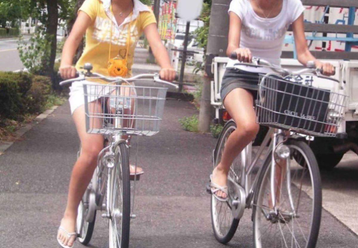 自転車のパンチラ画像 24