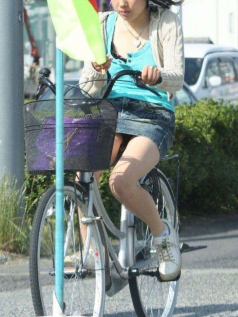 自転車のパンチラ画像 37