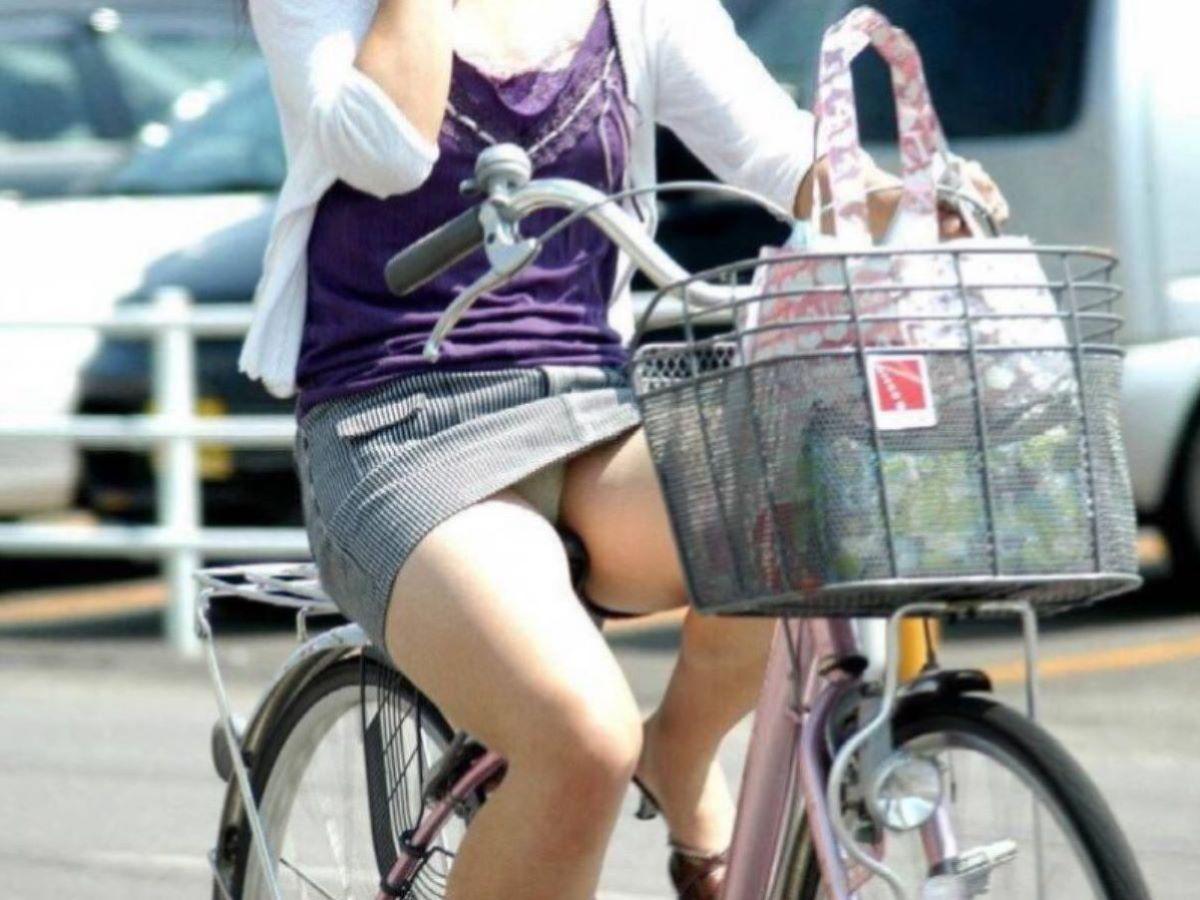 自転車のパンチラ画像 46