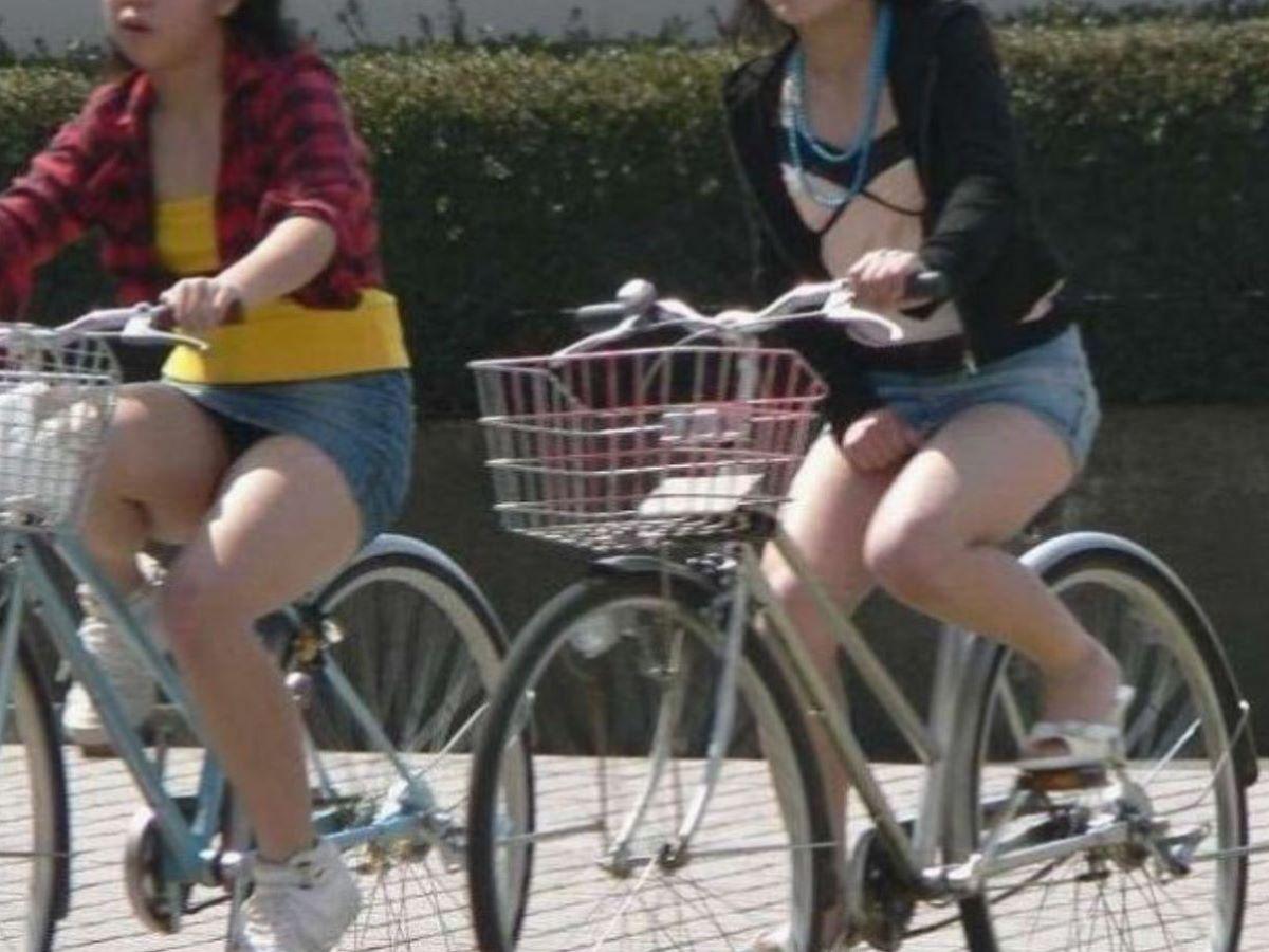 自転車のパンチラ画像 55