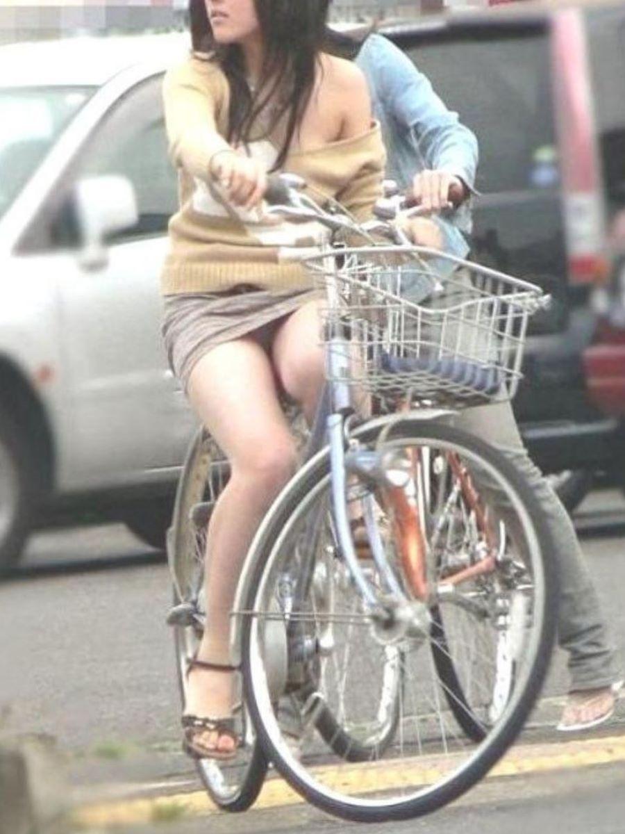 自転車のパンチラ画像 66