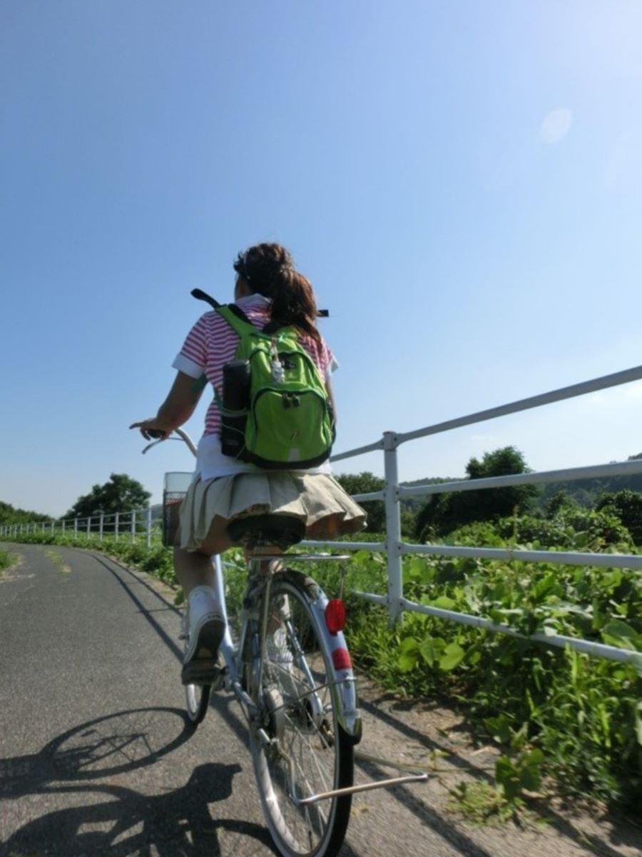 自転車のパンチラ画像 77