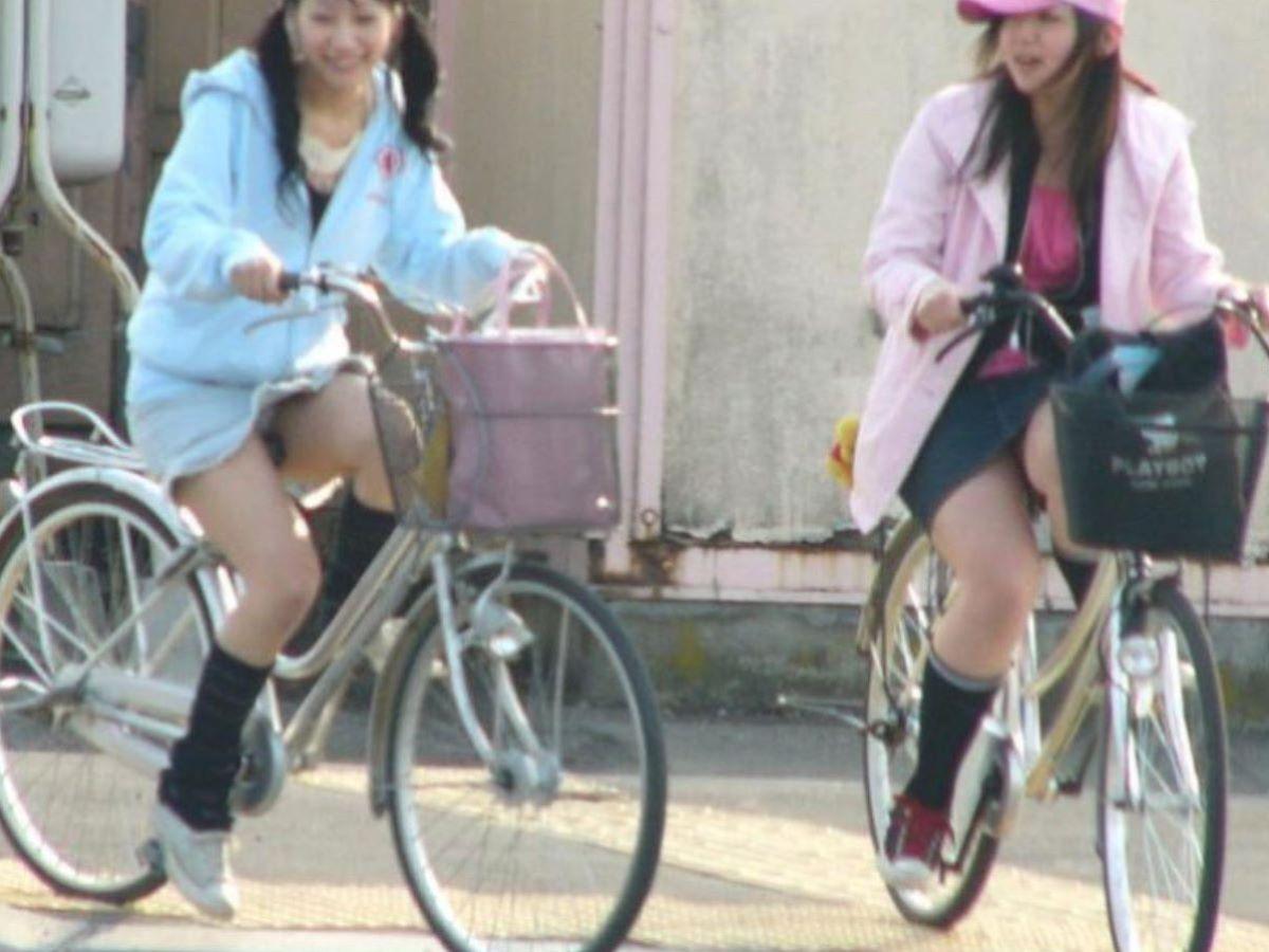 自転車のパンチラ画像 79