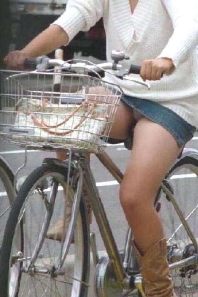 自転車のパンチラ画像 86