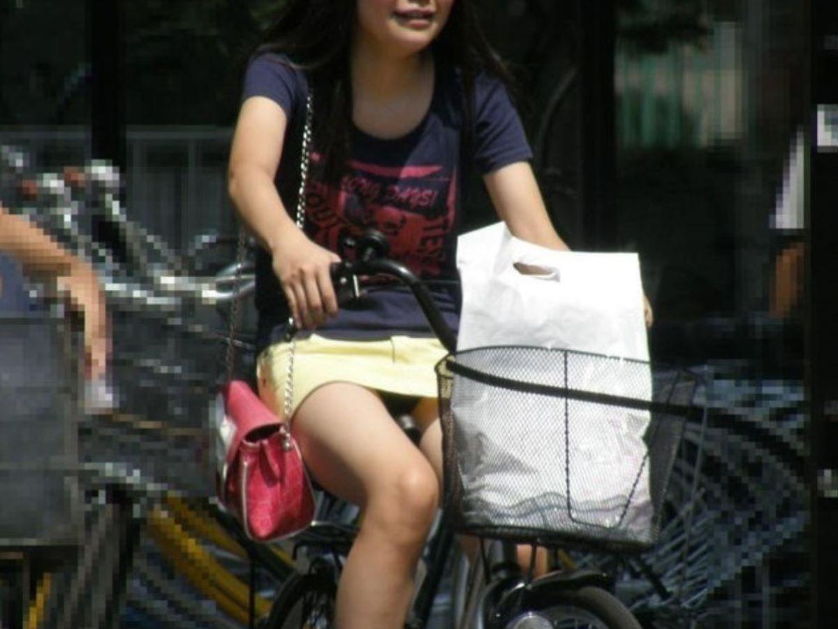 自転車のパンチラ画像 93