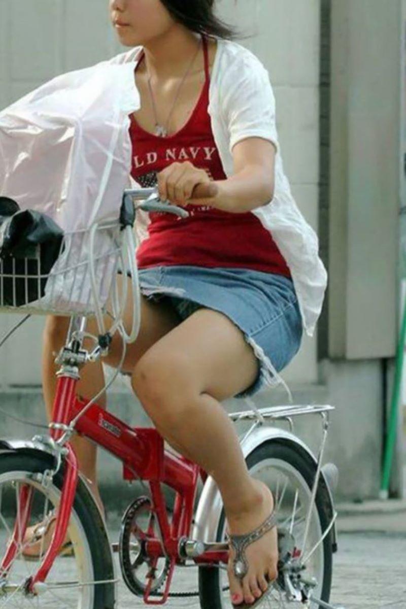 自転車のパンチラ画像 94