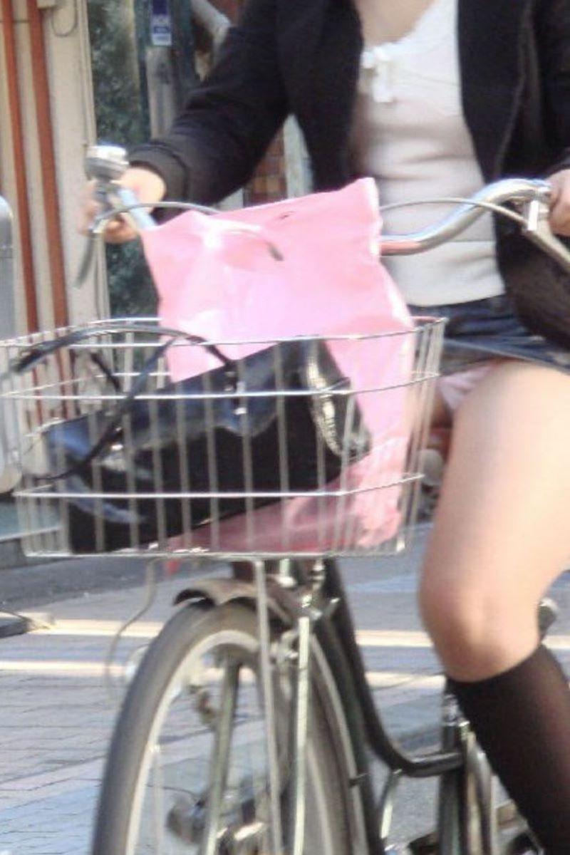 自転車のパンチラ画像 97