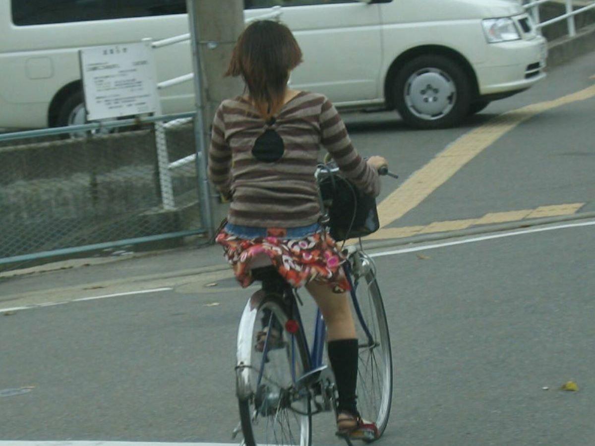 自転車のパンチラ画像 99