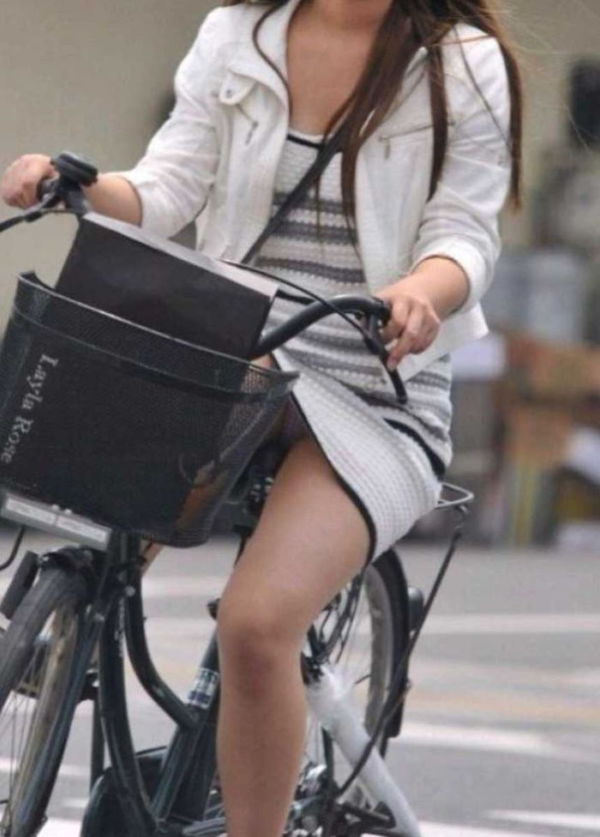 自転車のパンチラ画像 106