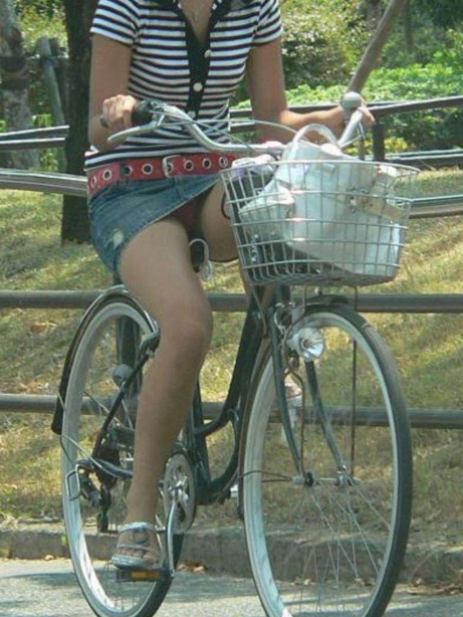 自転車のパンチラ画像 117