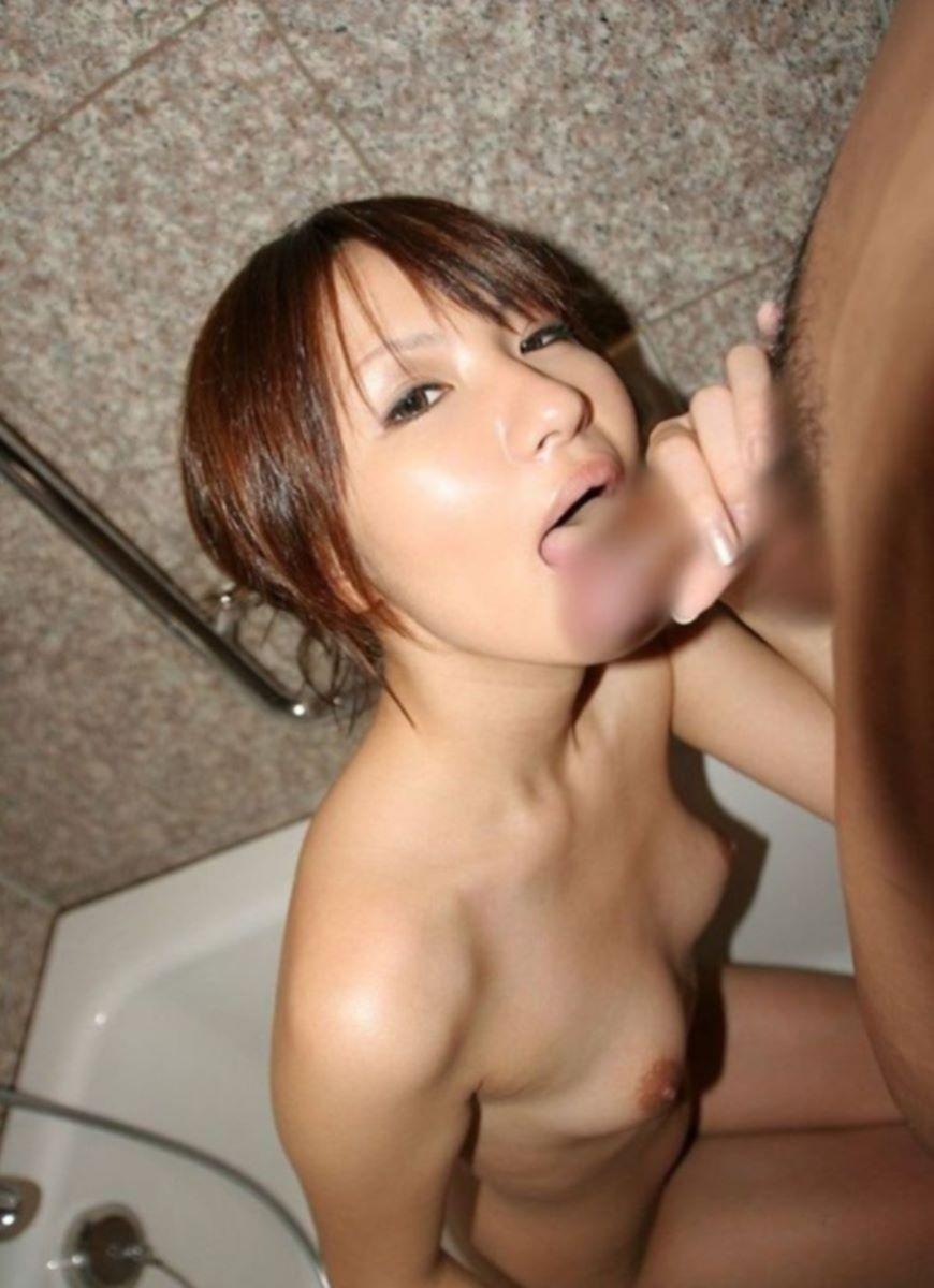 入浴中のフェラチオ画像 15