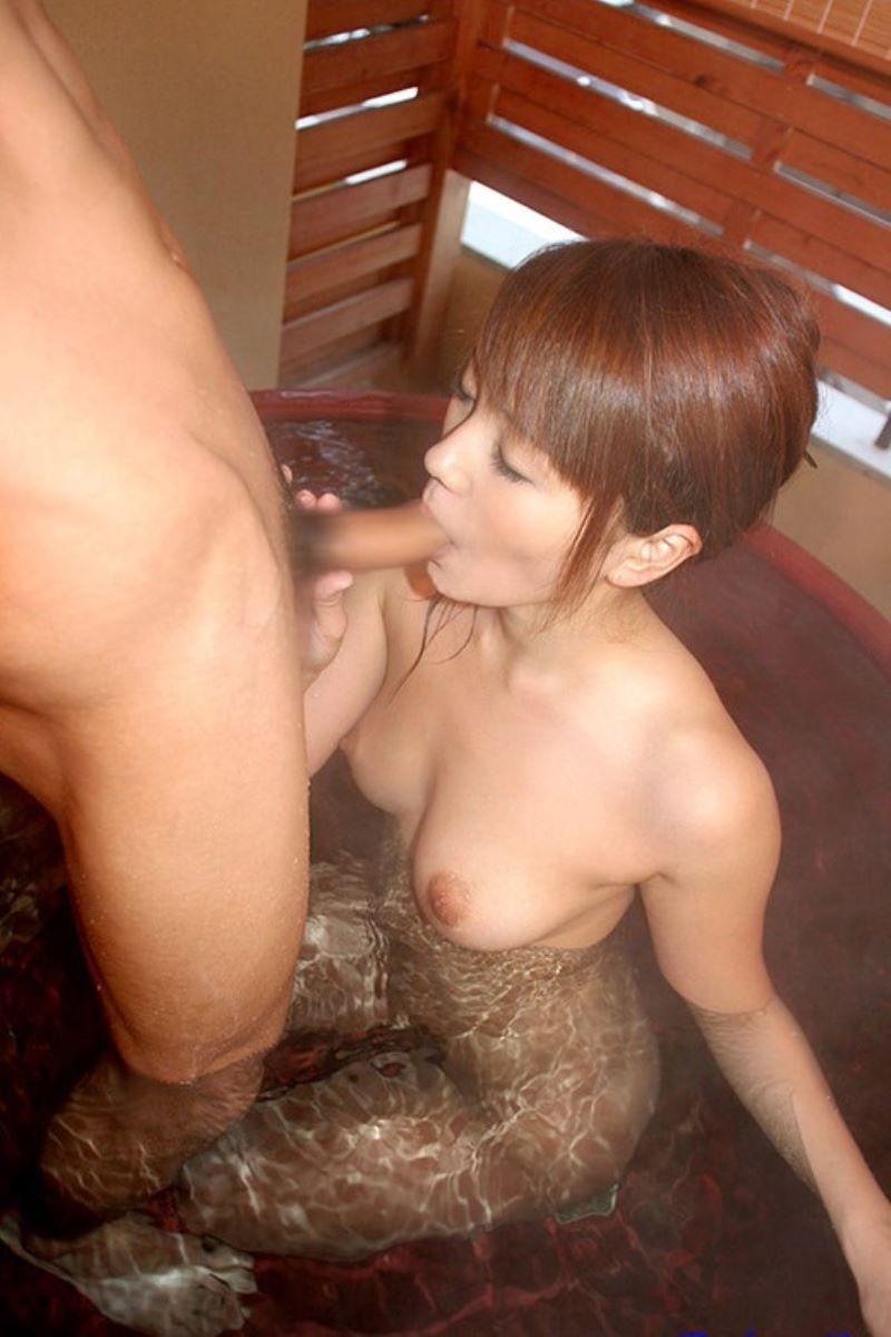 入浴中のフェラチオ画像 41