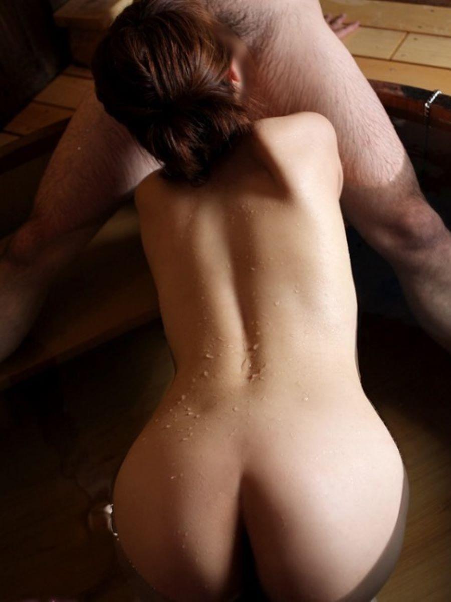 入浴中のフェラチオ画像 86