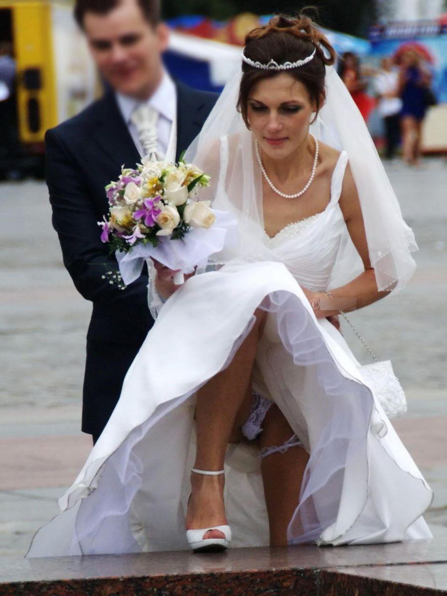 花嫁のパンチラや胸チラのエロ画像 18