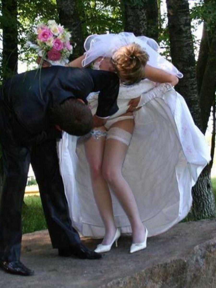 花嫁のパンチラや胸チラのエロ画像 58