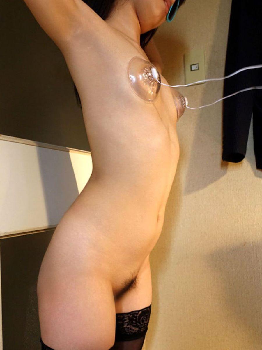 乳首吸引のSM画像 8