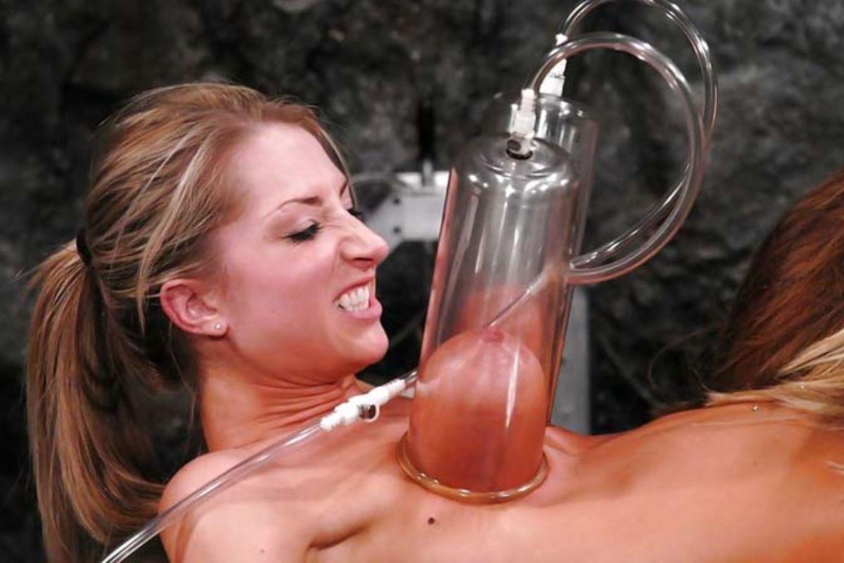 乳首吸引のSM画像 9