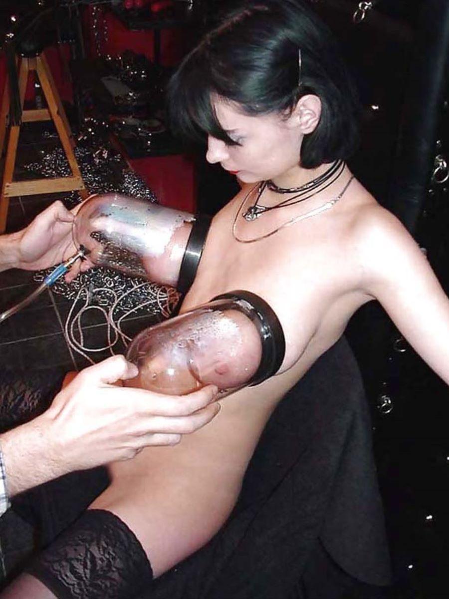乳首吸引のSM画像 88