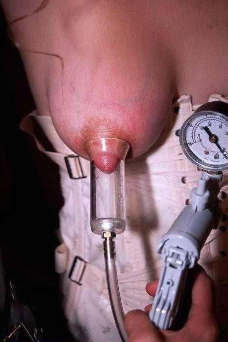 乳首吸引のSM画像 100