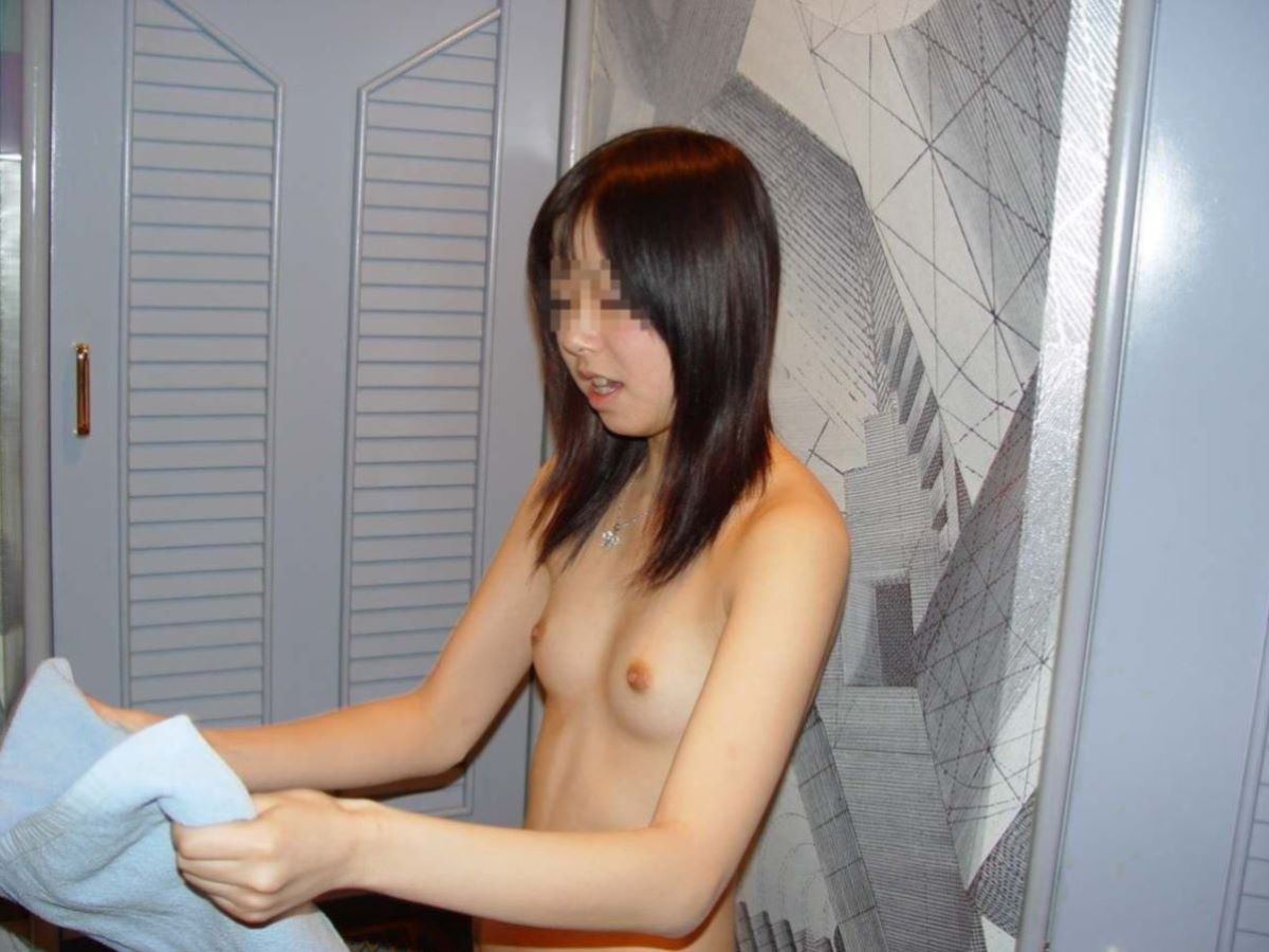 貧乳 ヌード画像 124
