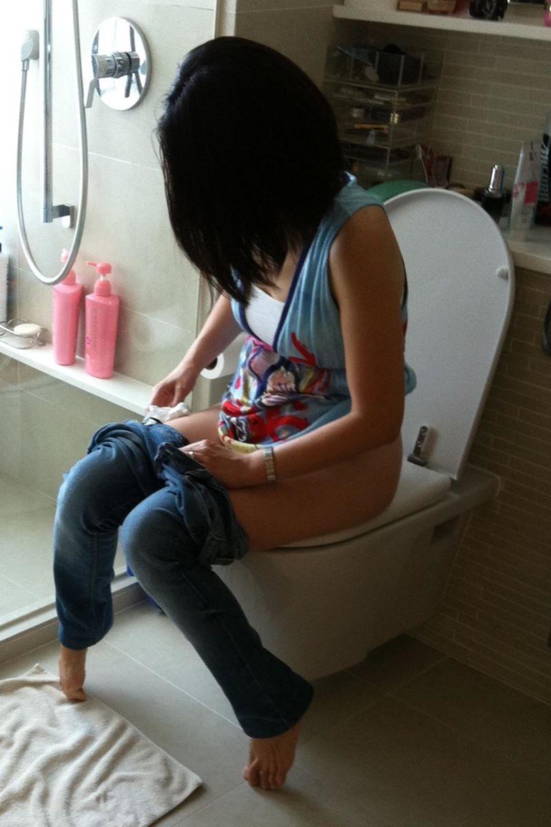 洋式トイレのエロ画像 36