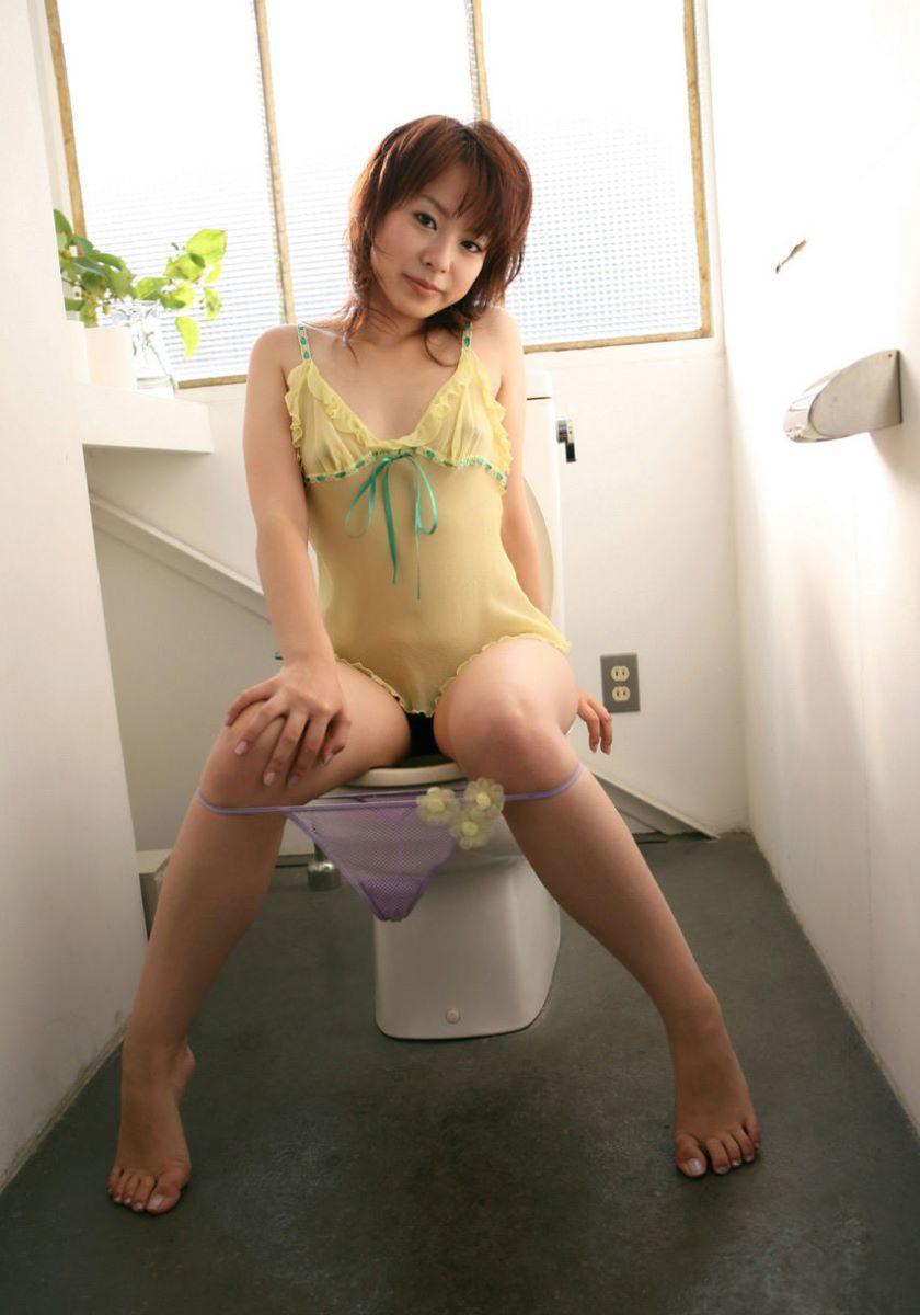 洋式トイレのエロ画像 62