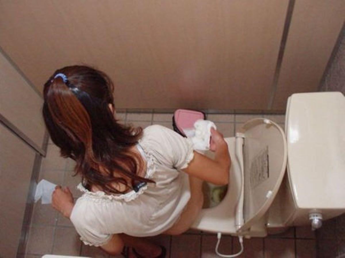 洋式トイレのエロ画像 74