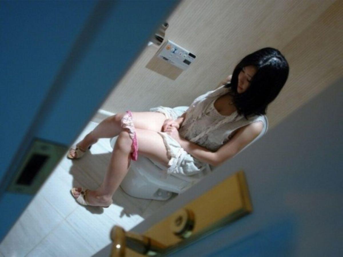 洋式トイレのエロ画像 80