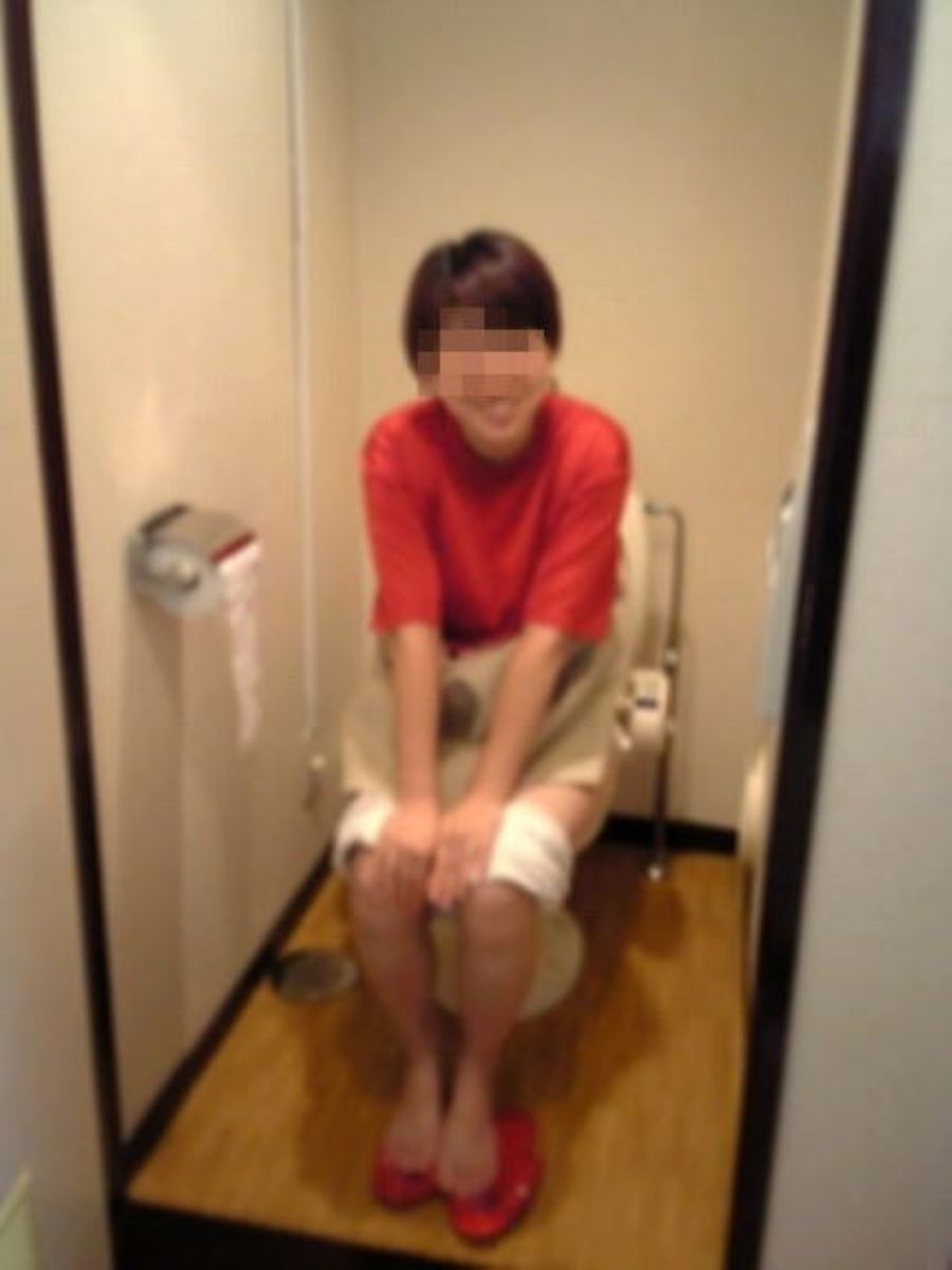 洋式トイレのエロ画像 84