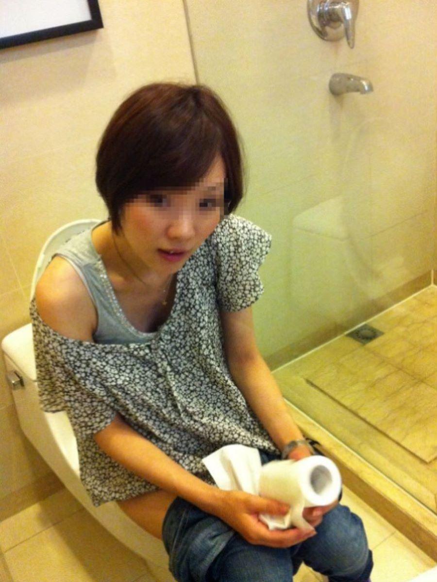 洋式トイレのエロ画像 88