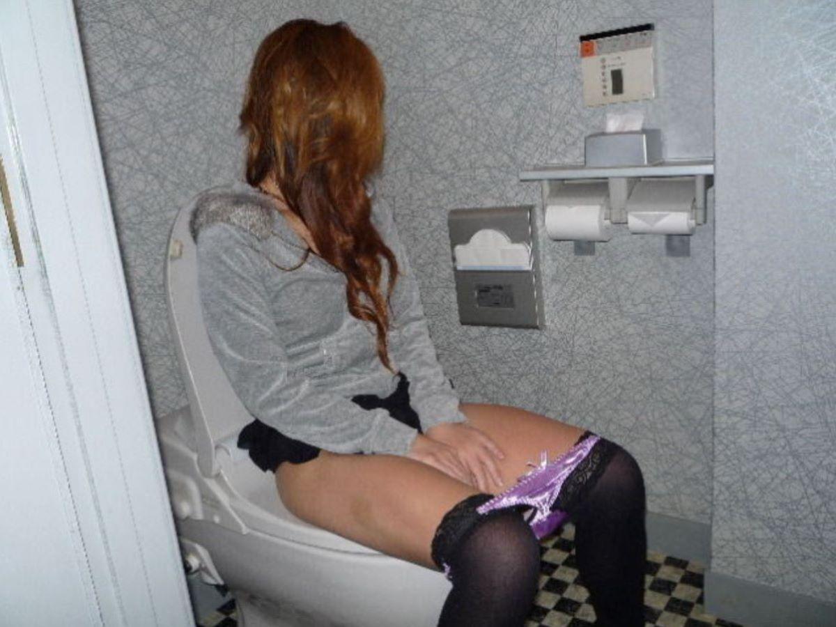 洋式トイレのエロ画像 98