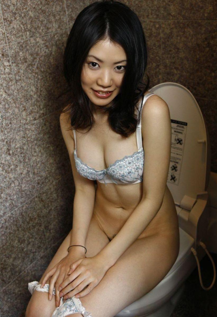 洋式トイレのエロ画像 106