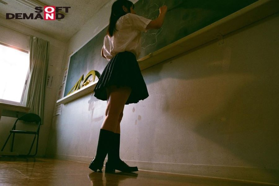 制服美少女 野々原なずな エロ画像 14