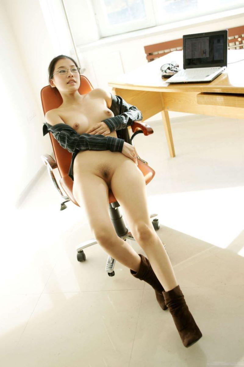 中国人女性のヌード画像 24