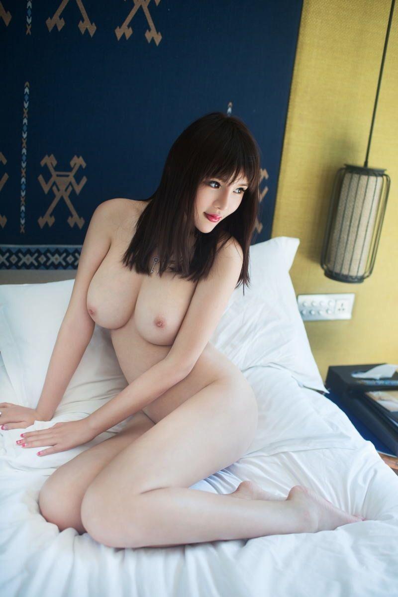 中国人女性のヌード画像 60