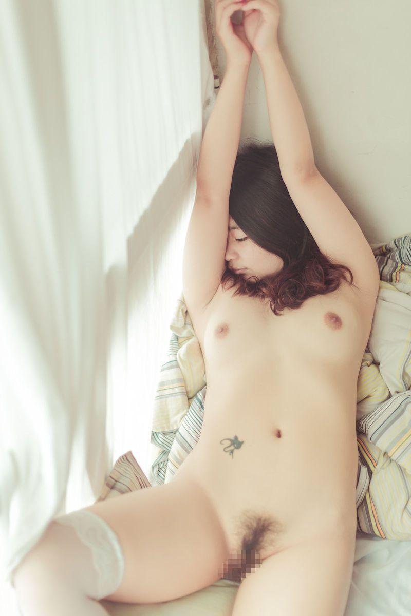 中国人女性のヌード画像 64