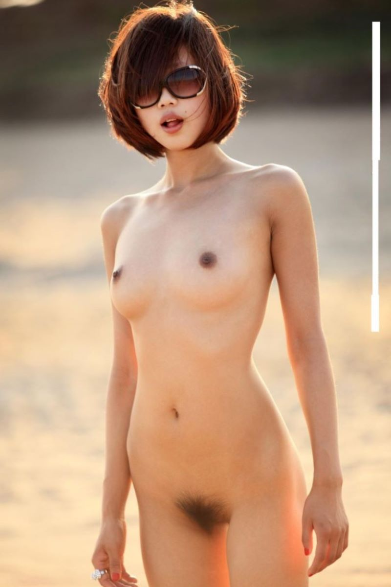 中国人女性のヌード画像 66