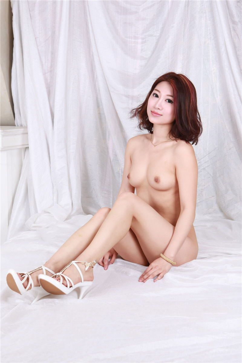 中国人女性のヌード画像 85
