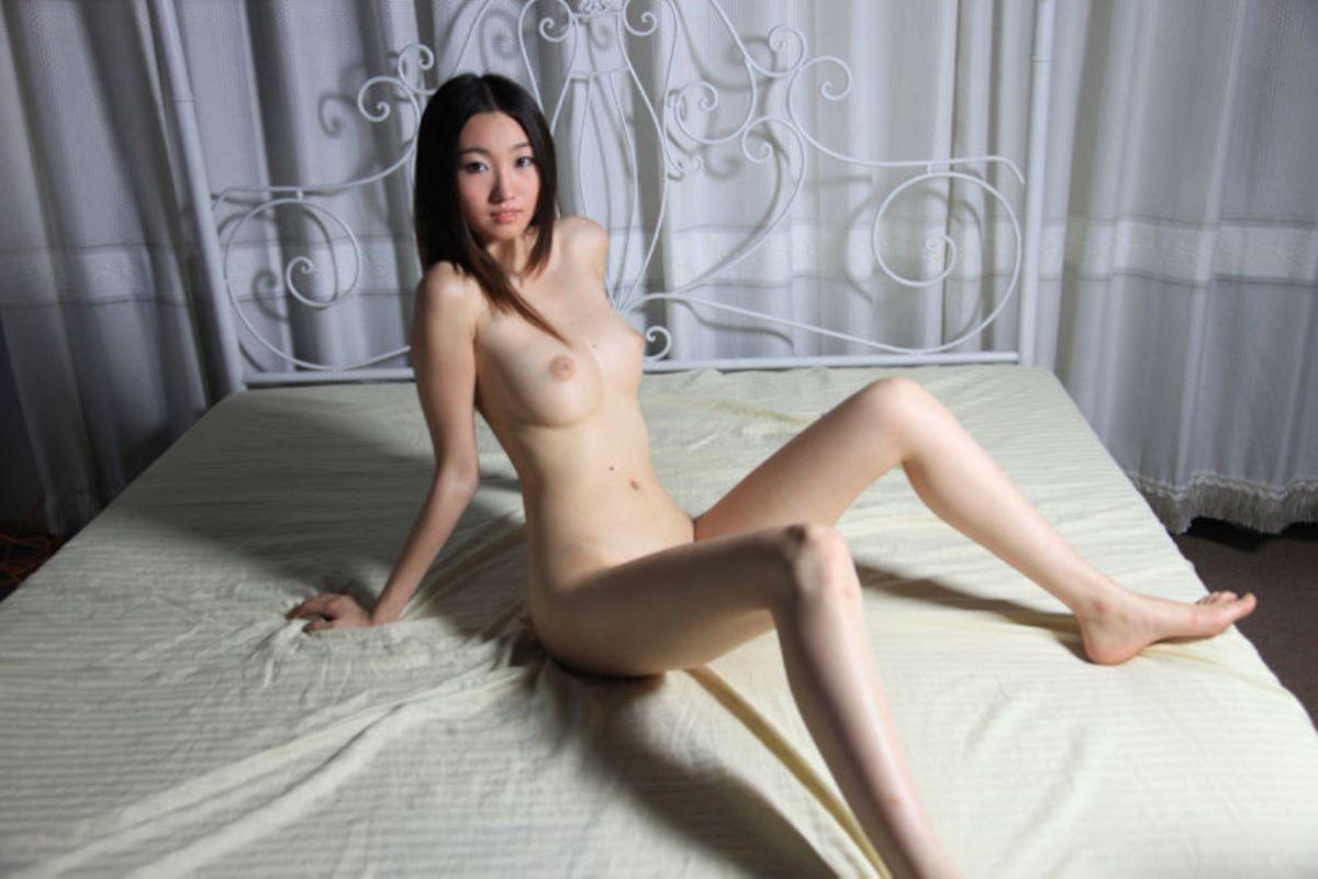 中国人女性のヌード画像 86