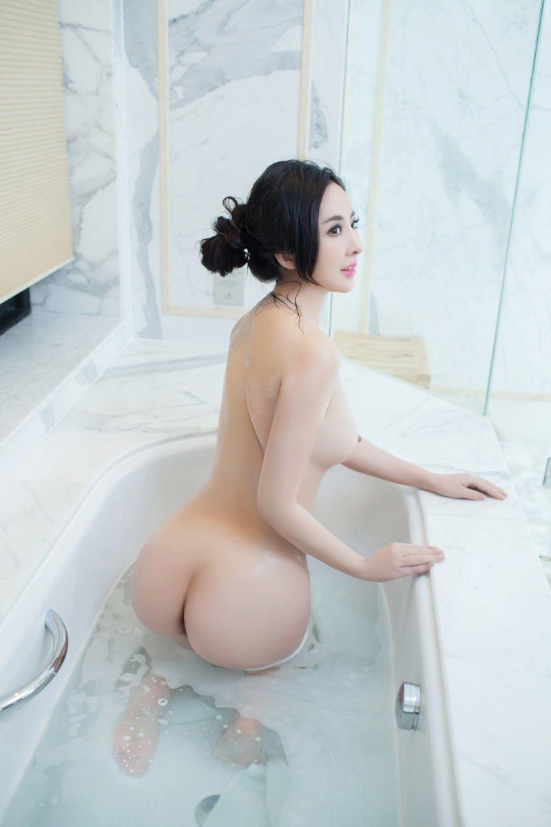 中国人女性のヌード画像 112